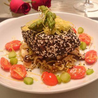 Atum em crosta de gergelim – Para impressionar no jantar a dois