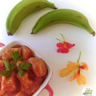 Estrogonofe de frango com biomassa de banana verde
