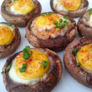 Cogumelos recheados com ovo de cordorna