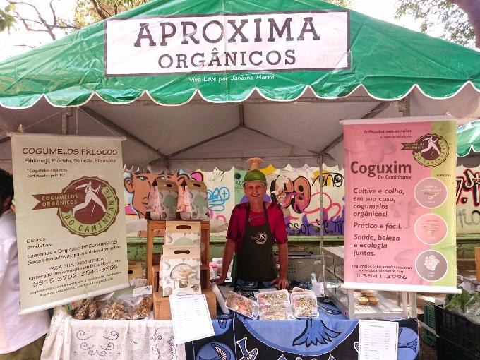 feira aproxima cogumelos organicos