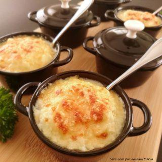 Sopa Low Carb de couve-flor gratinada com parmesão – Saborosa e elegante