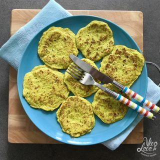 Panqueca de brócolis, couve-flor e açafrão em duas deliciosas versões!