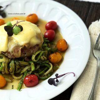 ideias de refeicoes hamburguer com espaguete de abobrinha