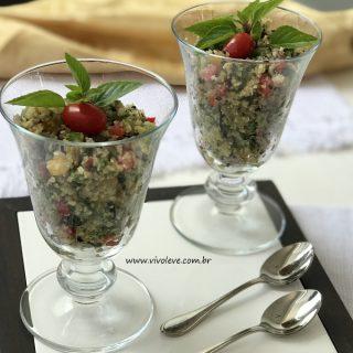 Cuscuz Low Carb de couve-flor com legumes e sementes